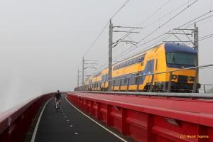 Zwolle - NS spoorburg mist